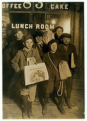 Newsboys, Brooklyn Bridge, 1908
